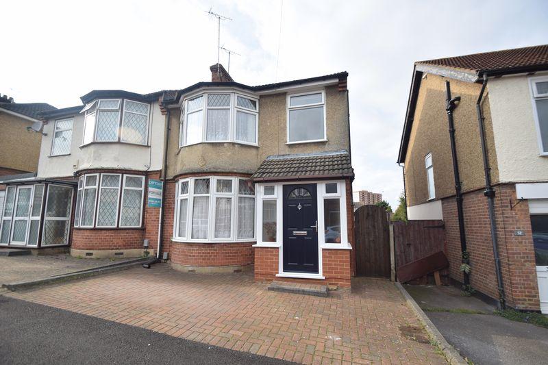 3 bedroom Semi-Detached  to buy in Alton Road, Luton