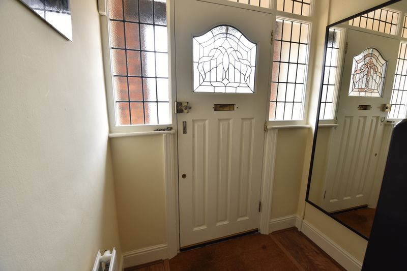 3 bedroom Semi-Detached  to buy in Wychwood Avenue, Luton - Photo 2