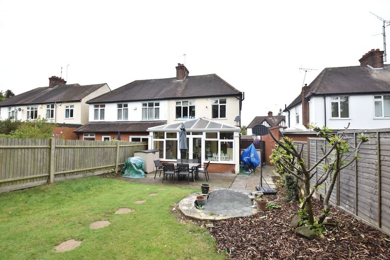 3 bedroom Semi-Detached  to buy in Wychwood Avenue, Luton - Photo 15