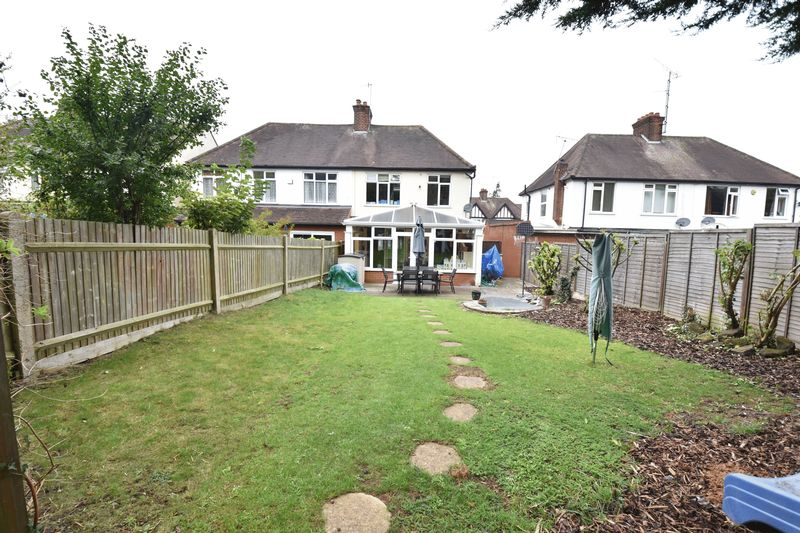 3 bedroom Semi-Detached  to buy in Wychwood Avenue, Luton - Photo 18