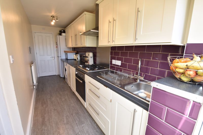3 bedroom  to buy in St. Catherines Avenue, Luton - Photo 2