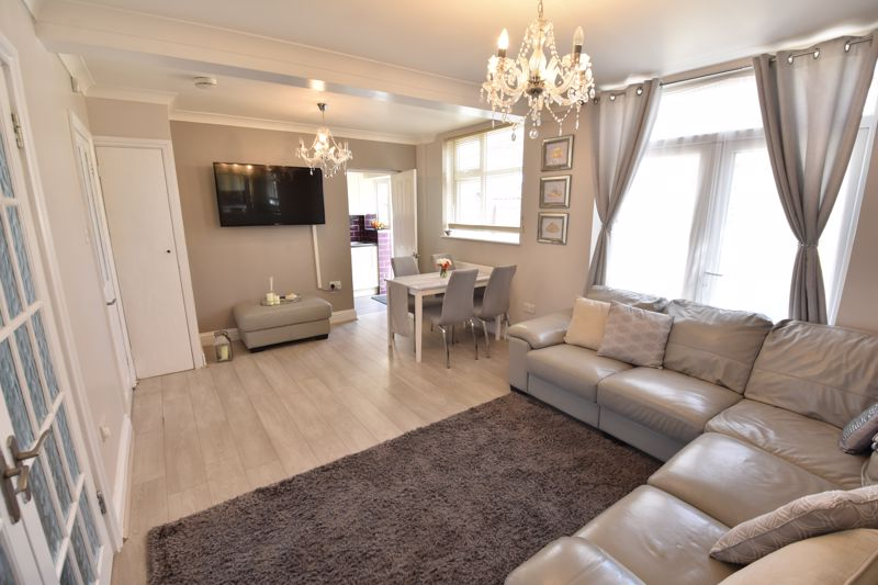 3 bedroom  to buy in St. Catherines Avenue, Luton - Photo 6