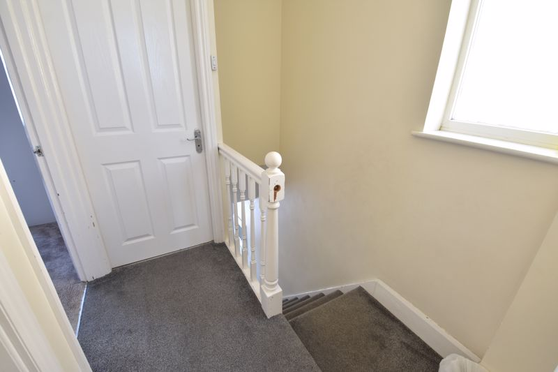 3 bedroom  to buy in St. Catherines Avenue, Luton - Photo 9