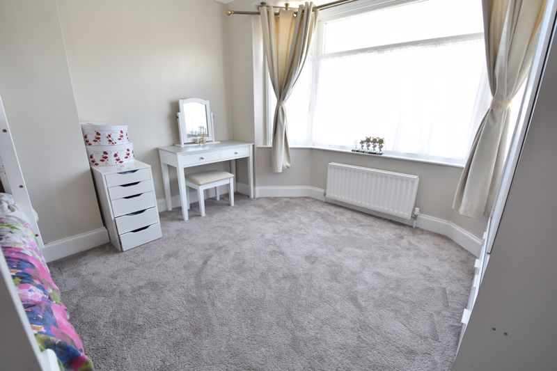 3 bedroom  to buy in St. Catherines Avenue, Luton - Photo 12