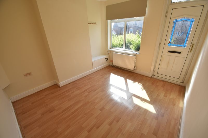 2 bedroom Mid Terrace to rent in Milton Road, Luton - Photo 1
