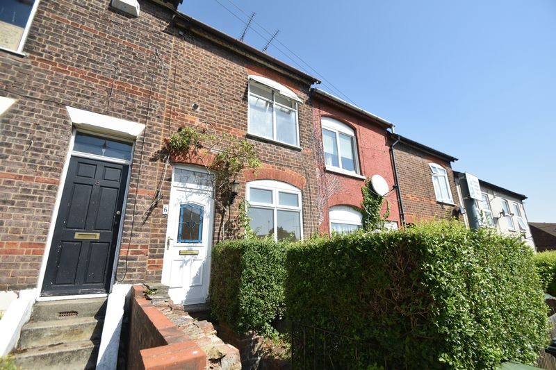 2 bedroom Mid Terrace to rent in Milton Road, Luton - Photo 9