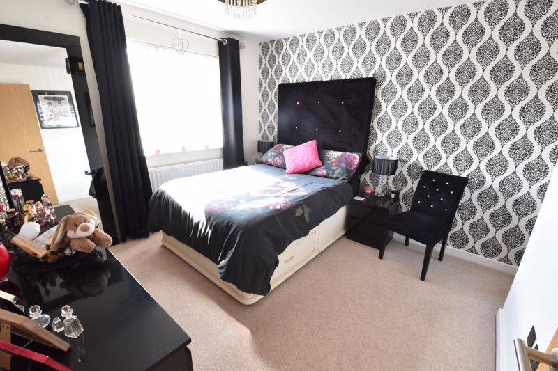 2 bedroom  to buy in Someries Hill, Luton - Photo 7