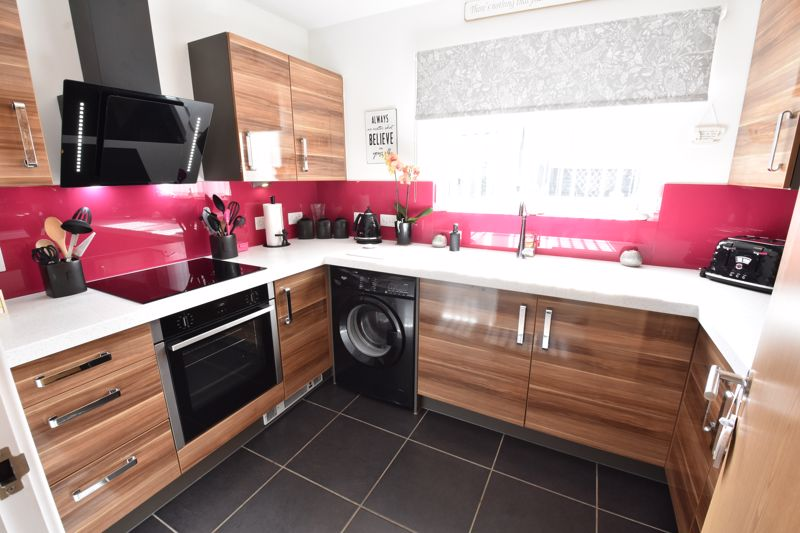 2 bedroom  to buy in Someries Hill, Luton - Photo 13