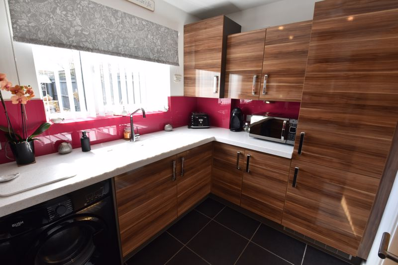 2 bedroom  to buy in Someries Hill, Luton - Photo 14