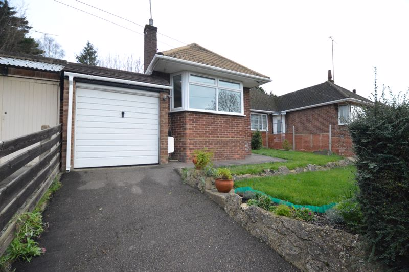 3 bedroom Semi-Detached  to buy in Falconers Road, Luton - Photo 3