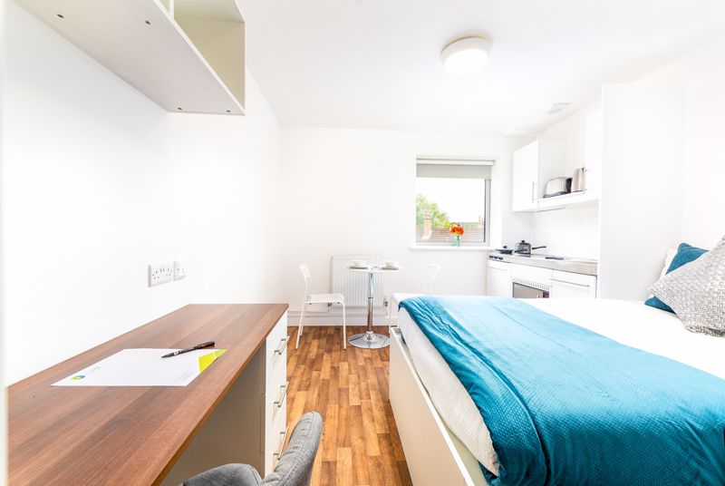 1 bedroom Apartment / Studio to buy in Park Street, Luton - Photo 2