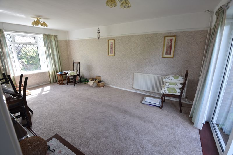 3 bedroom  to buy in Bluebellwood Close, Luton - Photo 2