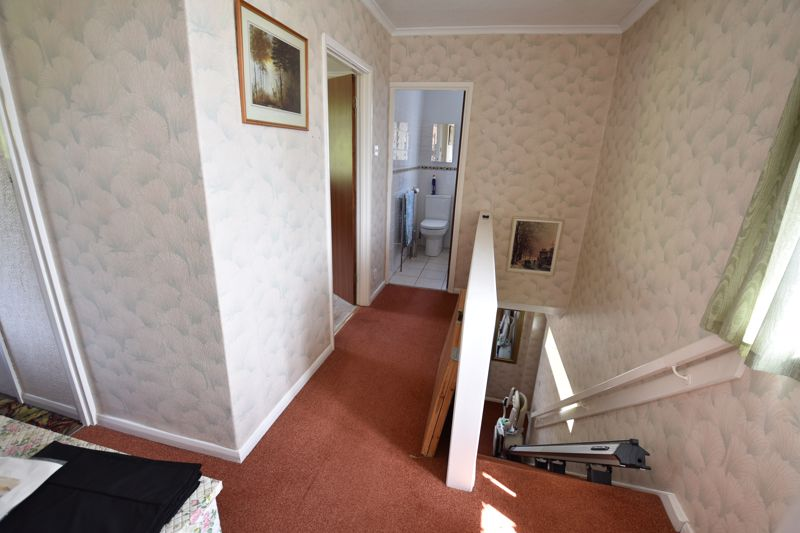 3 bedroom  to buy in Bluebellwood Close, Luton - Photo 3