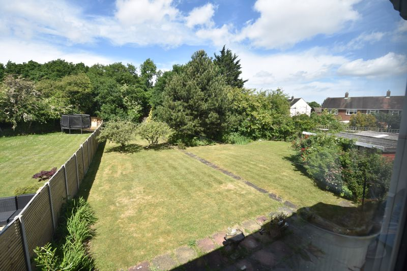 3 bedroom  to buy in Bluebellwood Close, Luton - Photo 6