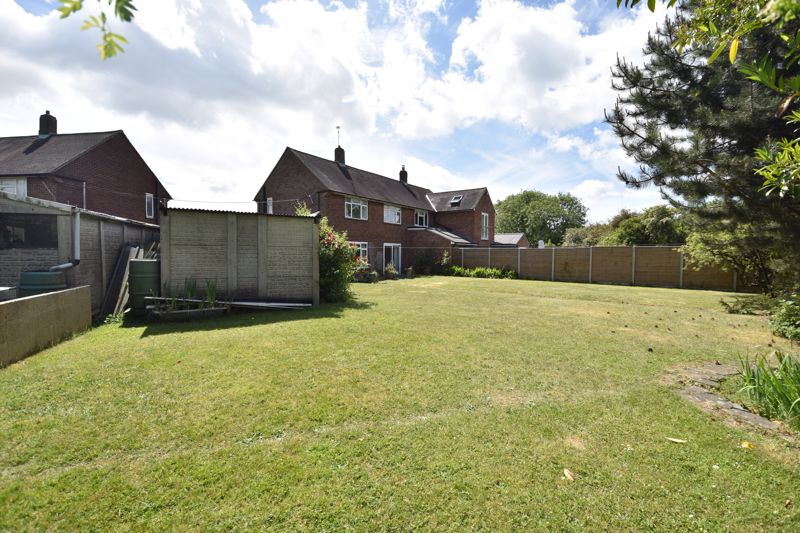 3 bedroom  to buy in Bluebellwood Close, Luton - Photo 10