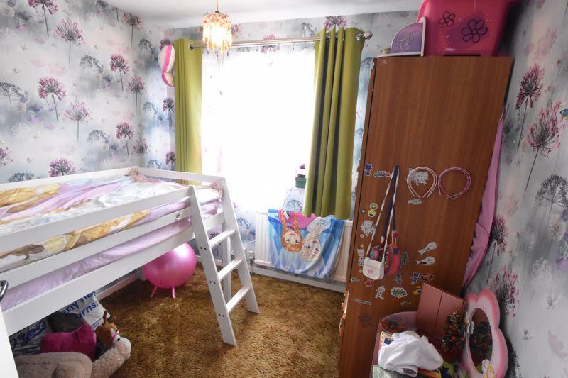 3 bedroom Semi-Detached  to buy in Marlin Road, Luton - Photo 4