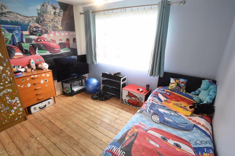 3 bedroom Semi-Detached  to buy in Marlin Road, Luton - Photo 5