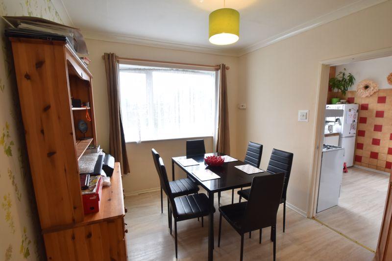 3 bedroom Semi-Detached  to buy in Marlin Road, Luton - Photo 10