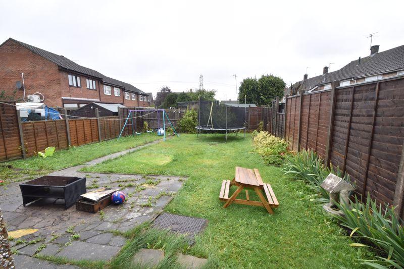 3 bedroom Semi-Detached  to buy in Marlin Road, Luton - Photo 2