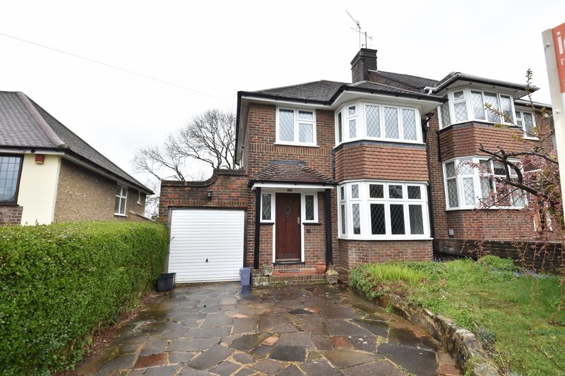 3 bedroom Semi-Detached  to buy in Knoll Rise, Luton