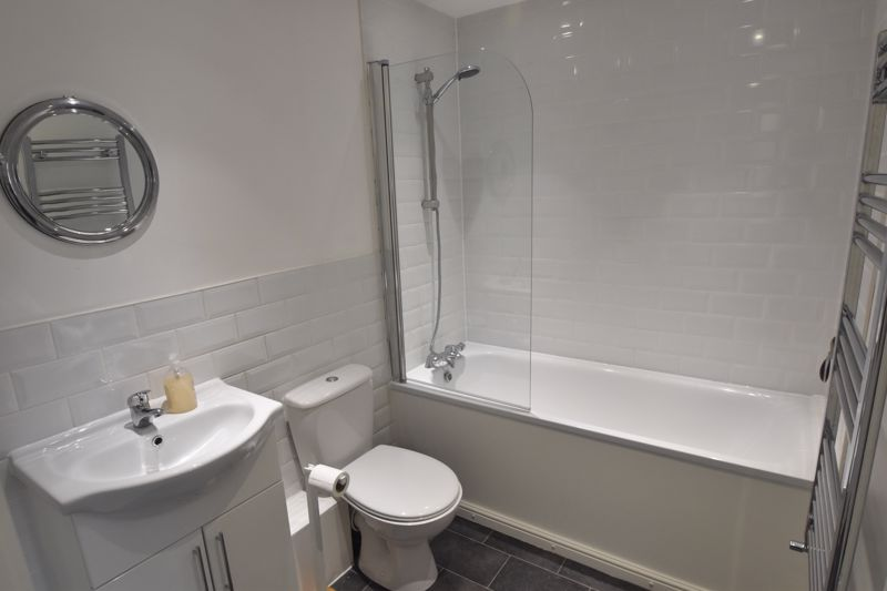 1 bedroom Flat to buy in 5 Empress Road, Luton - Photo 2