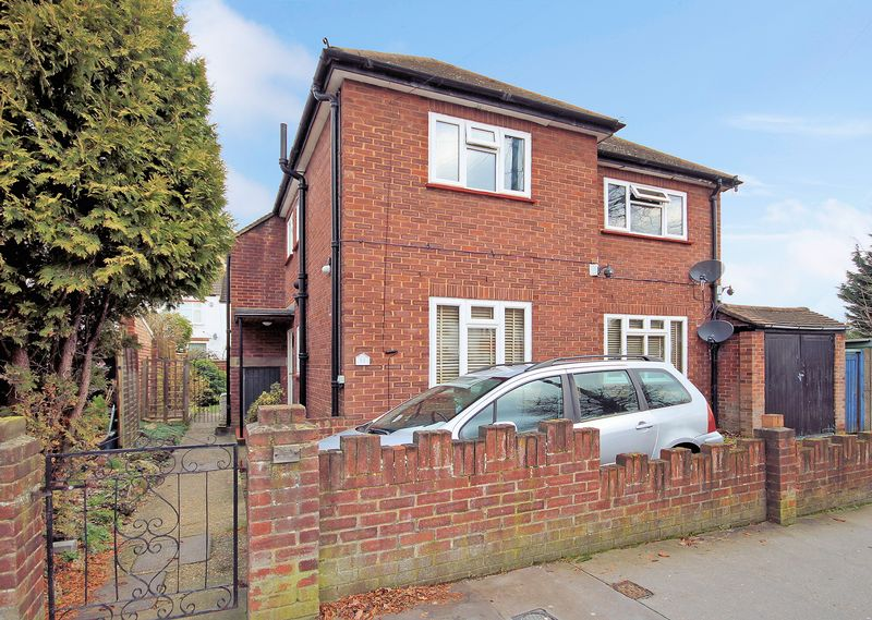 2 Bedrooms Property for sale in Spring Park Road, Shirley