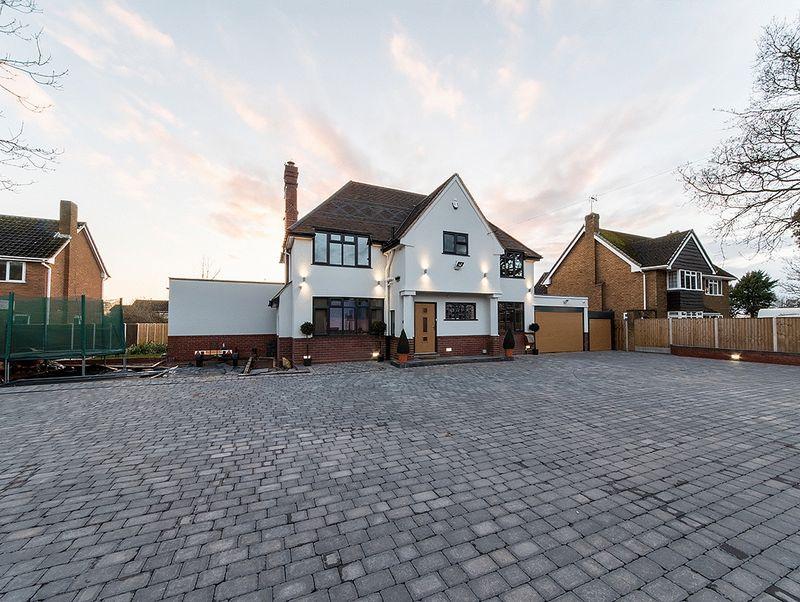 4 Bedrooms Property for sale in Hagley Road, Pedmore, Stourbridge