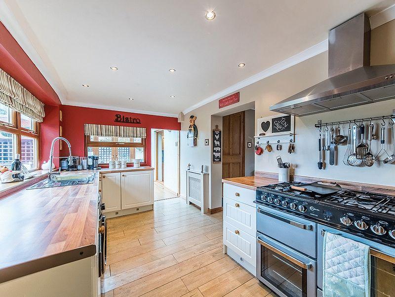 2 Bedrooms Property for sale in 'Hillside Cottage', Bridgnorth Road, Wollaston, Stourbridge