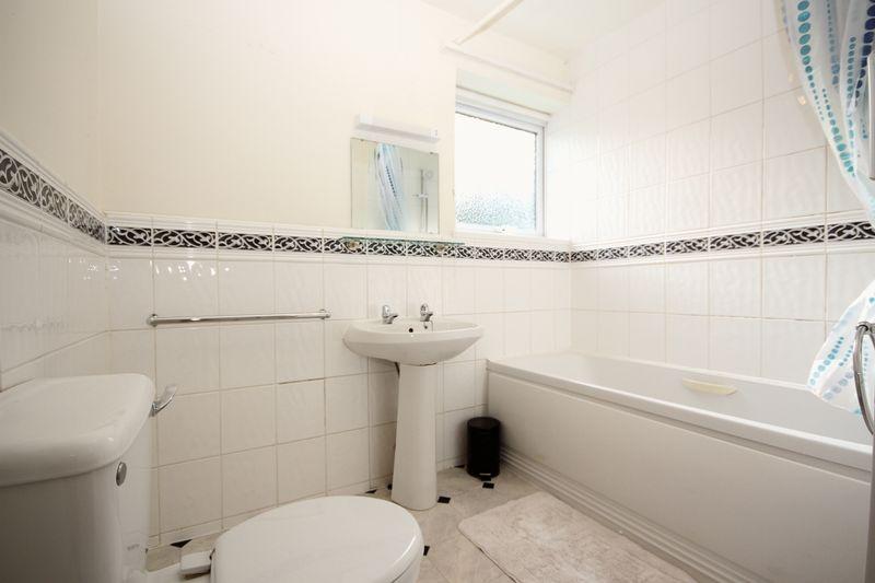 Bathroom thumbnail image