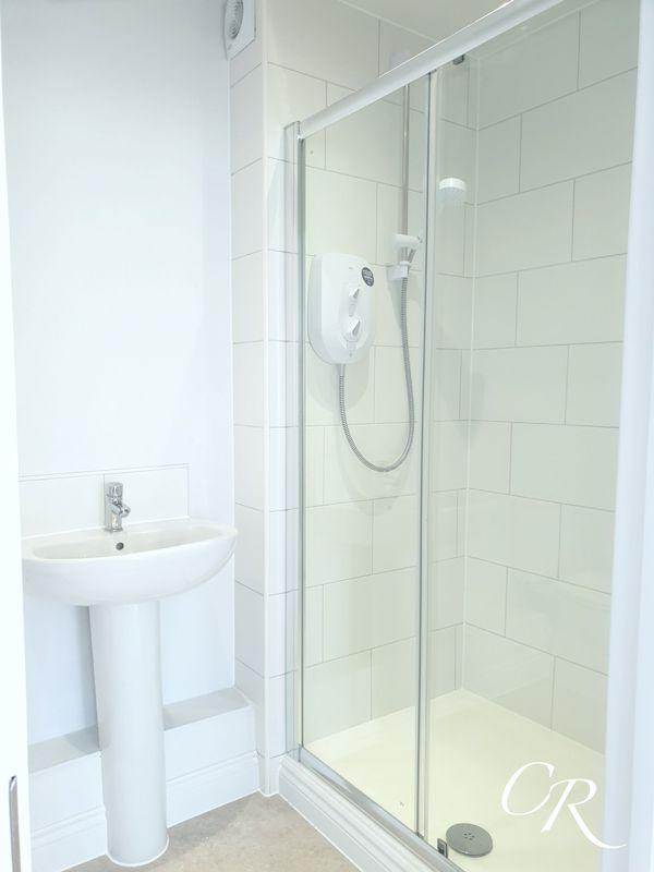 En Suite Shower Unit