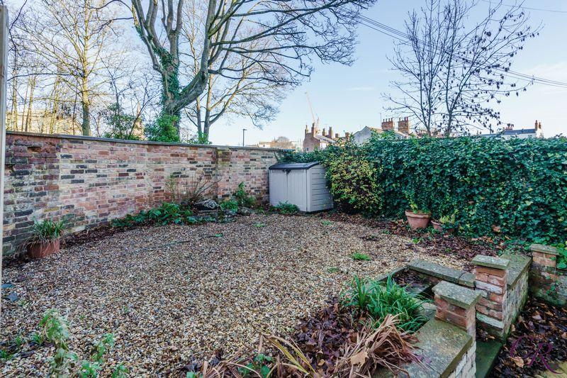 Garden thumbnail image