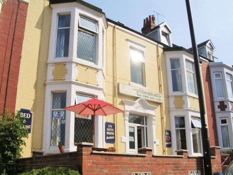 12 Bedrooms Property for sale in Guest House, South Parade, Whitley Bay