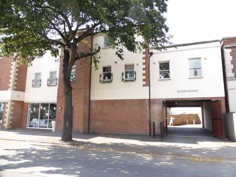Photo of Flat 2 Queensgate Gloucester Road