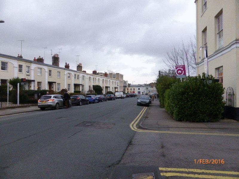 Photo of Flat 6,96 Bath Road