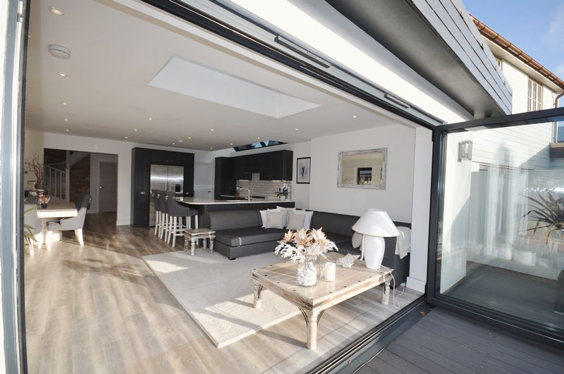 Bi folds to kitchen family room