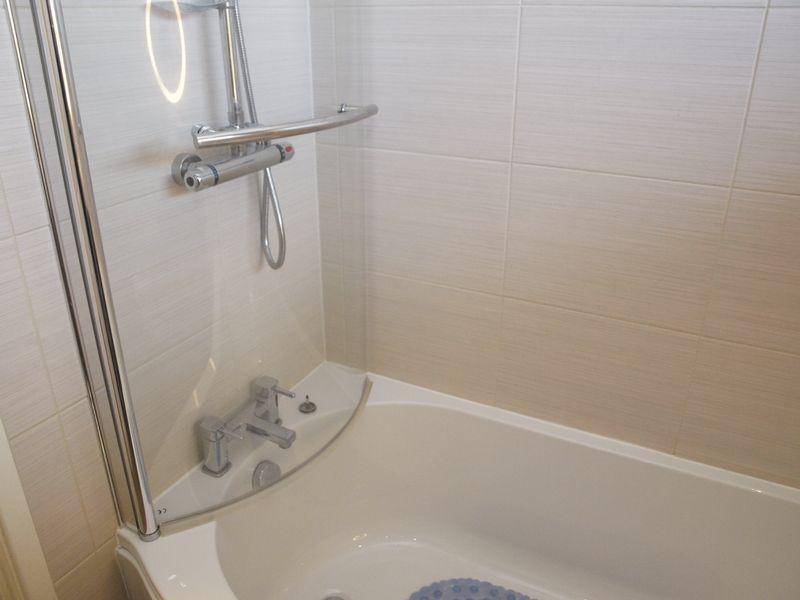 Shower Unit (Family Bathroom)