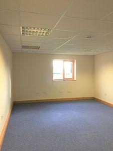 Office to let, Smeeth, Ashford, Kent£5,800 - Photo 3