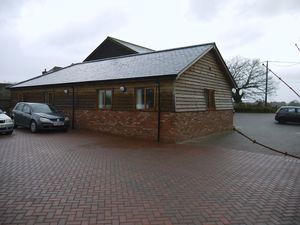 Office to let, Smeeth, Ashford, Kent£5,800 - Photo 1