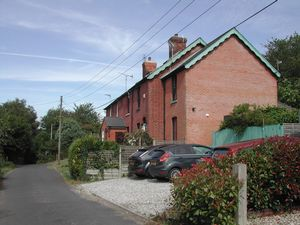 Selling, Faversham  £900 - Photo 8