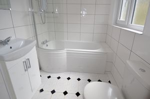 Selling, Faversham  £900 - Photo 3
