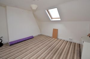 Selling, Faversham  £900 - Photo 5