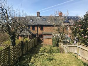 Selling, Faversham  £900 - Photo 10