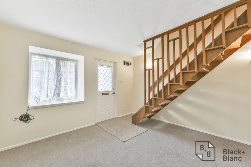 1 bedrooms House for sale in London | Estate Agents in Wimbledon and Croydon.