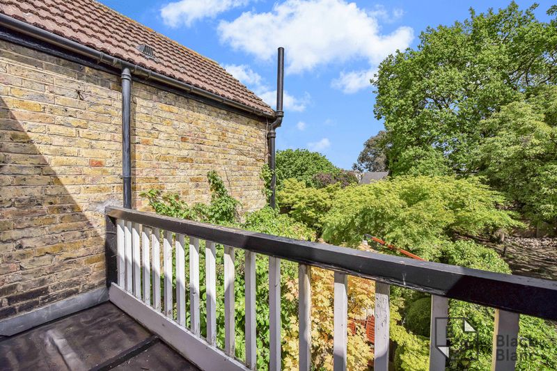 6 bedrooms House for sale in Croydon | Estate Agents in Wimbledon and Croydon.