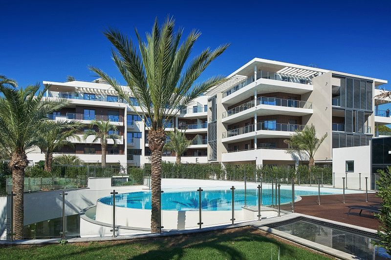 Parc du Cap - 2 Bed Accommodation in Antibes