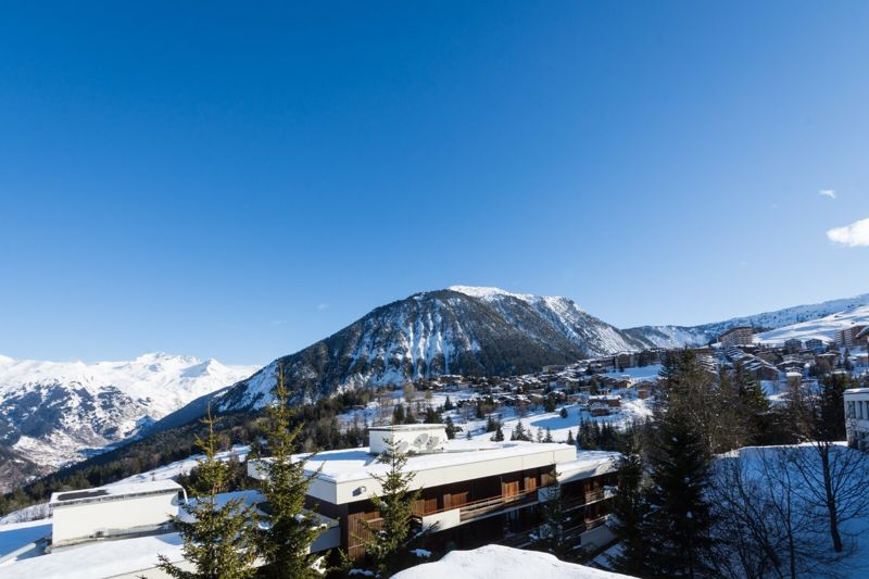 Les Ancolies - 3 Bed Chalet in Courchevel
