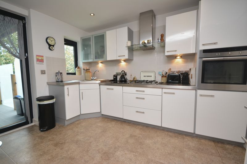 5D Woodridge, Bridgend CF31 4PE