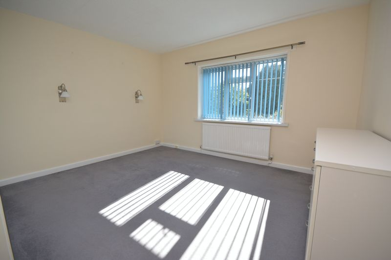 8 The Retreat, Bridgend, CF31 3NU