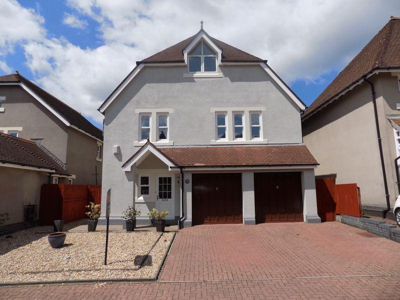 5 Bedrooms Property for sale in 23 Preswylfa Court, Merthyr Mawr Road, Bridgend