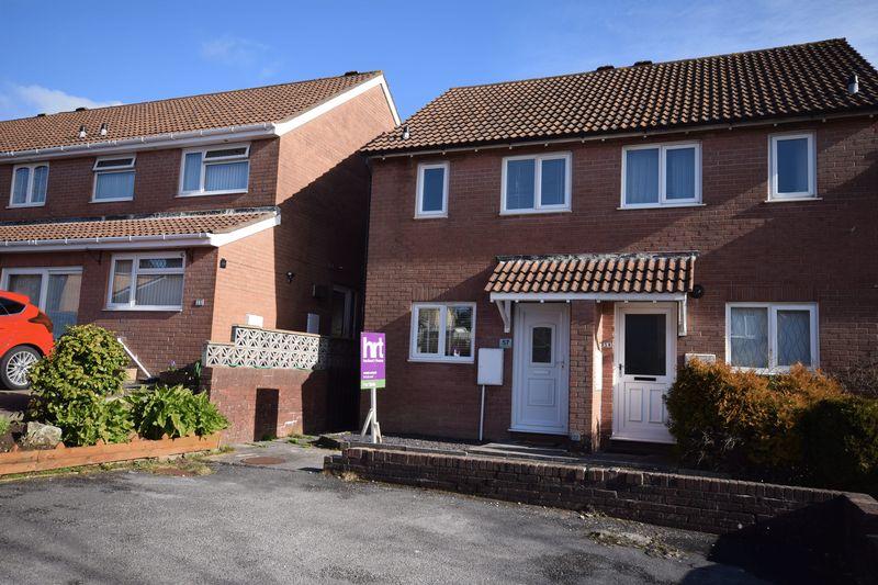 2 Bedrooms Property for sale in Heol Castell Coety, Bridgend